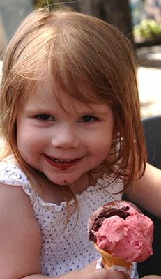 girl-with-gelato